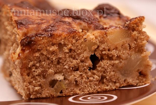 Cynamonowe ciasto z gruszką