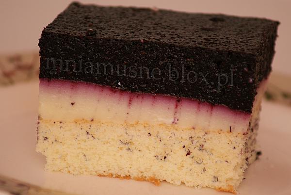 Ciasto z budyniem i musem jagodowym