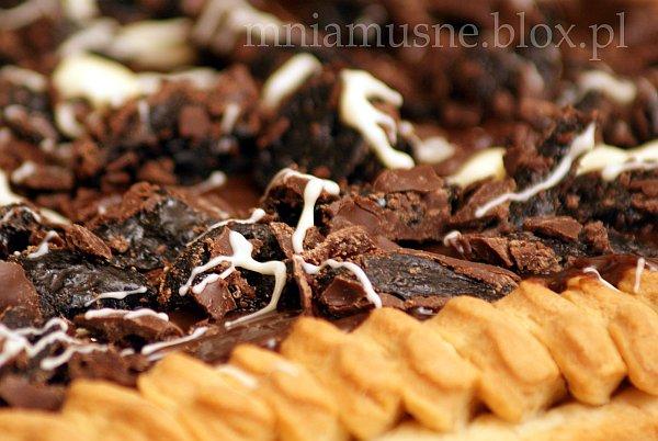 Mazurek kajmakowy ze śliwką