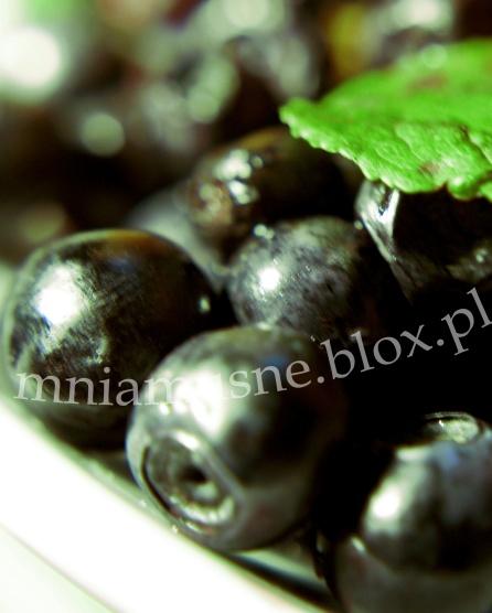 Muffinki jagodowe z białą czekoladą i kruszonką
