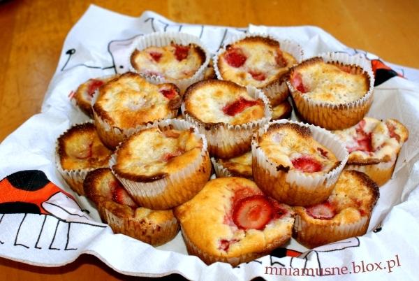 Muffinki truskawkowo śmietankowe