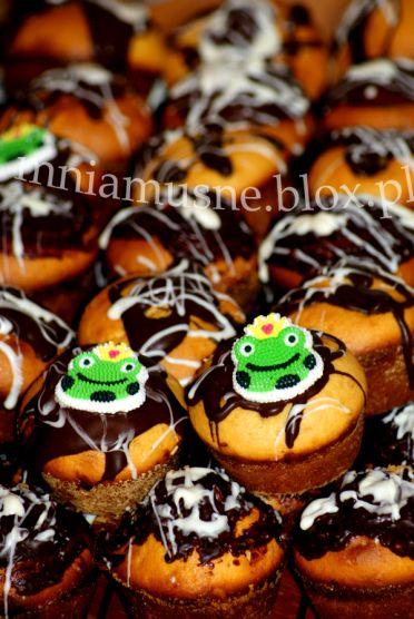 Muffinki mleczne z czekoladą