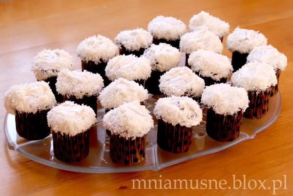 Marchewkowe muffinki z kokosową koroną